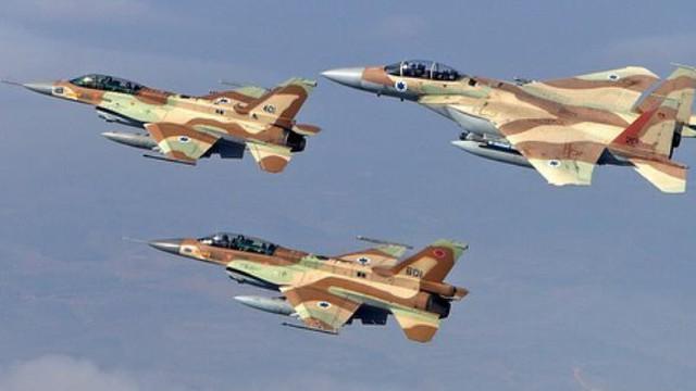 Israel giội bom phá hủy đường hầm chạy từ Dải Gaza ra Địa Trung Hải