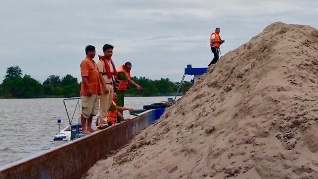 Nhiều cán bộ thương vong, mất tích trên sông Hậu: An Giang thông tin chính thức