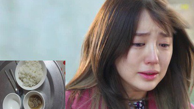Rơi nước mắt cảnh mẹ bầu cơm không có mà ăn, đẻ được 25 ngày thì mẹ chồng bắt đi làm trả nợ