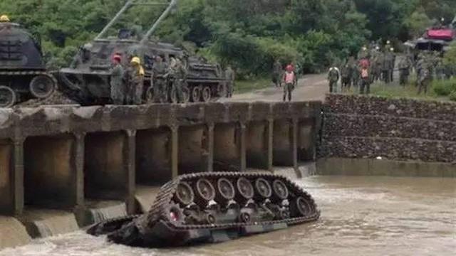 Huấn luyện yếu kém, xe tăng - thiết giáp Đài Loan liên tiếp gặp nạn