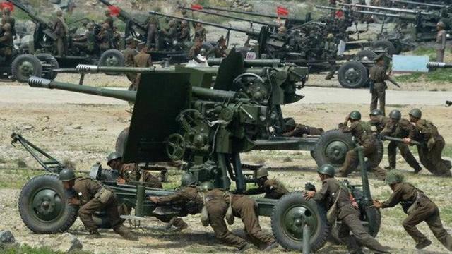 Hàn Quốc đề xuất Triều Tiên đưa pháo tầm xa ra khỏi biên giới