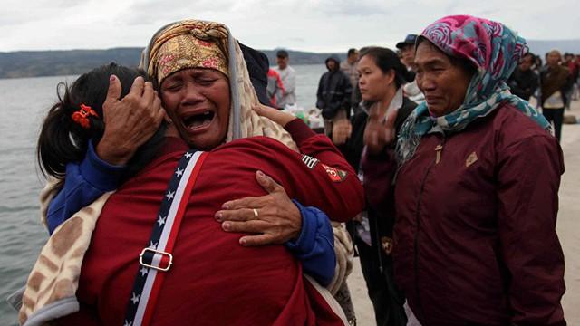 Chìm phà ở Indonesia, hơn 100 người mất tích