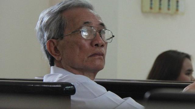 Sau quyết định giữ bản án 3 năm tù giam, bao giờ ông già dâm ô Nguyễn Khắc Thủy thi hành án?