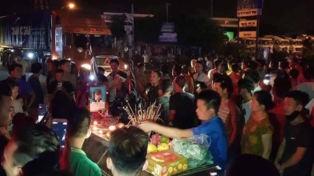 Cưỡng chế di chuyển quan tài thiếu nữ tử vong ở Hưng Yên về trung tâm y tế khám nghiệm pháp y