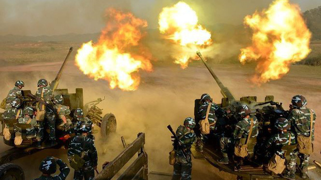 Pháo phòng không phô diễn hỏa lực tại trường bắn TB-1
