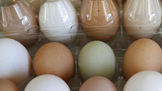 Tốn cả tháng lương chẳng mua được 1 bịch trứng tại Venezuela