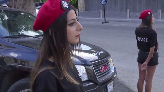 Quốc gia Trung Đông thành lập đội cảnh sát nữ 'nóng bỏng' để thu hút khách du lịch