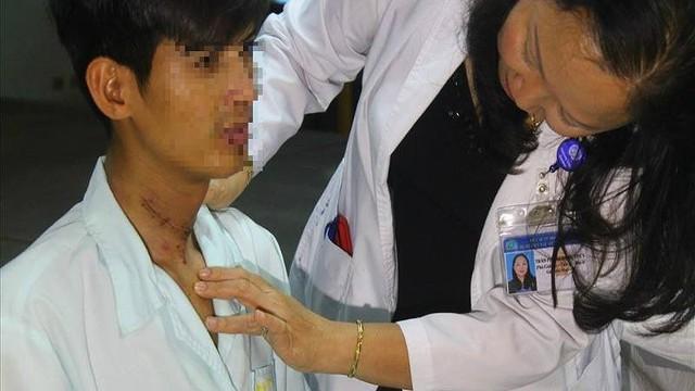 Chàng trai Campuchia hết cấm khẩu 2 năm nhờ bác sĩ Việt Nam
