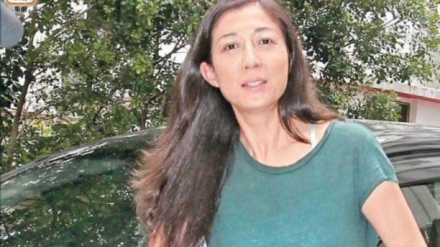 Người tình của Thành Long lên tiếng về việc con gái đã đính hôn với người yêu đồng giới