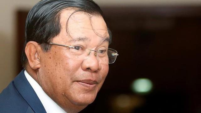 Ông Hun Sen cam kết làm Thủ tướng thêm 10 năm để trừ phản loạn, ngăn chặn cách mạng màu