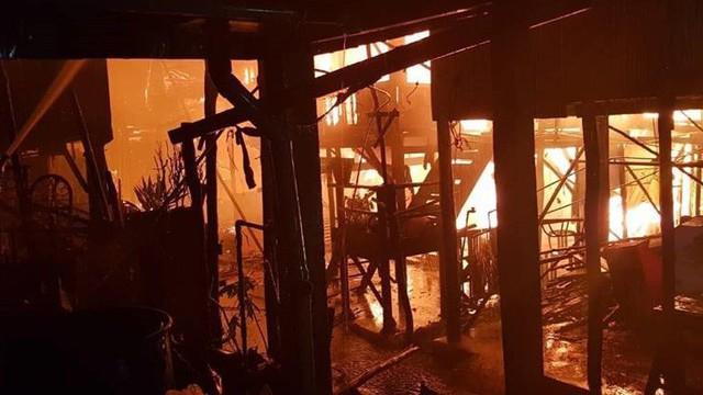 Hỏa hoạn thiêu rụi nhà cửa của 60 gia đình người Campuchia gốc Việt