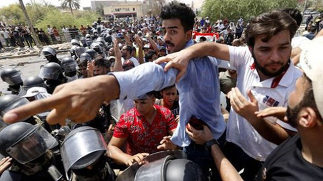 """Biểu tình Iraq lan rộng - một """"Mùa xuân Arab mới"""" đang xảy ra?"""
