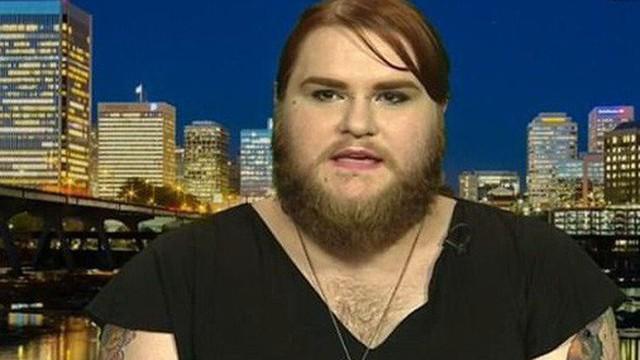 Hành trình 15 năm nuôi râu của cô gái nam tính nhất nước Mỹ