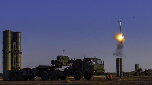 Hệ thống phòng thủ S-400 Nga: Chưa bắn một phát đạn, cả thế giới đã khuynh đảo!