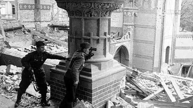Vì sao Hồng quân Liên Xô không bắt sống được trùm phát xít Hitler?