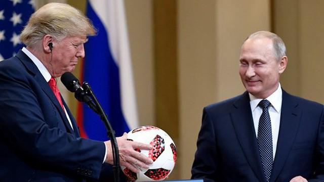 """Đổ dầu vào lửa, Trump """"phản pháo"""", tuyên bố cuộc gặp với Putin tốt hơn thượng đỉnh NATO"""