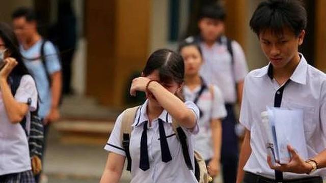 """Gian lận điểm thi: """"Thí sinh Hà Giang vừa chat vừa khóc vì cảm thấy quá bất công!"""""""