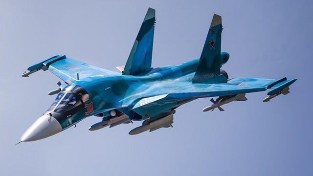 Lý do tiêm kích - ném bom Su-34 được mệnh danh 'xe tăng bay'