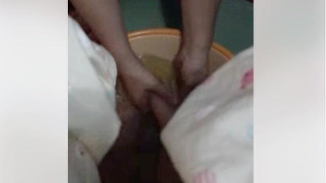 Chuyện thật đằng sau việc nàng dâu khoe được mẹ chồng rửa chân cho khiến chị em xôn xao vì quá lạ