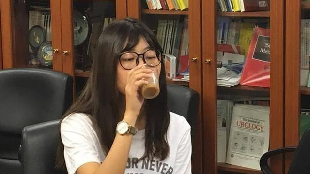 Cô gái 16 tuổi phải nhập viện chỉ vì mỗi ngày đều uống thức uống đang được giới trẻ ưa chuộng và khuyến cáo của bác sĩ