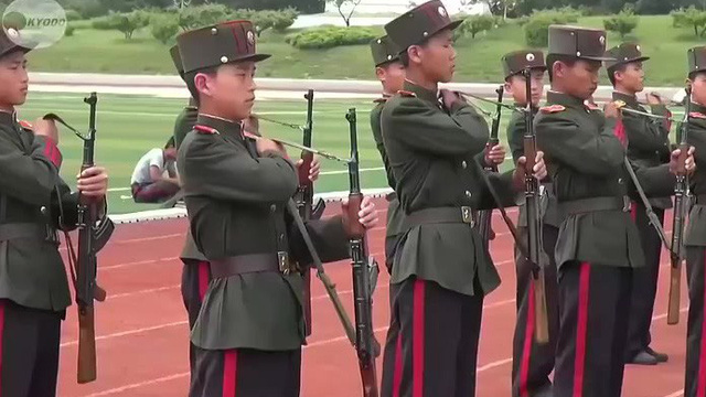 Độc đáo trường Cách mạng hàng đầu Triều Tiên: Có giả lập xe tăng, phi cơ, súng phóng lựu