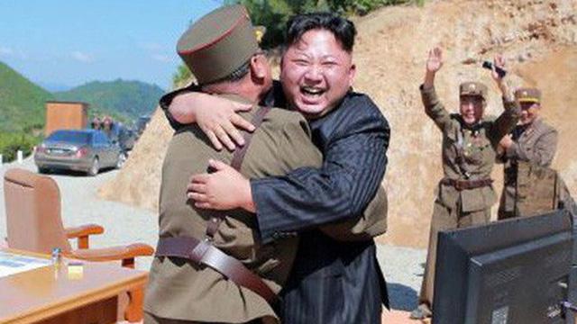 """Triều Tiên bị cáo buộc phát triển hai tên lửa đạn đạo mới, """"tuần trăng mật"""" đã thực sự kết thúc?"""