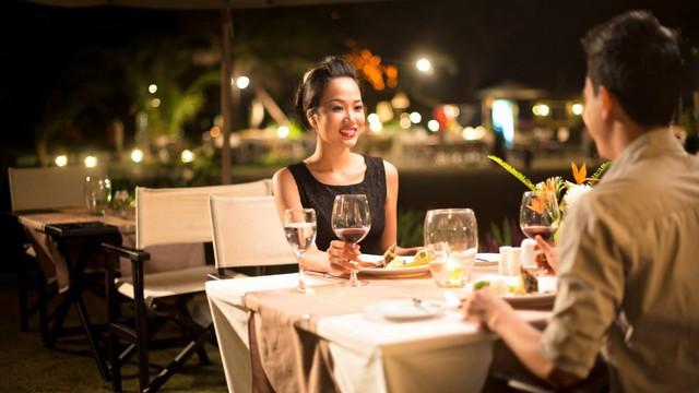 Image result for đi ăn nhà hàng