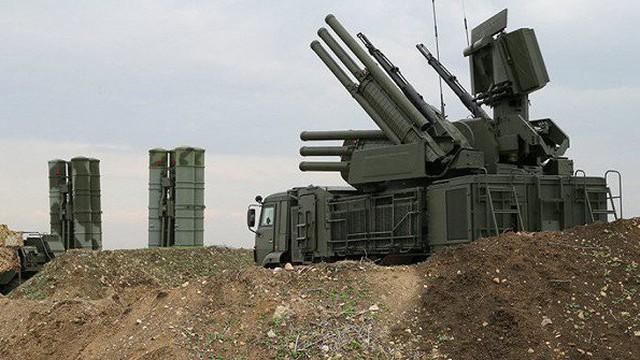 Căn cứ không quân Khmeimim của Nga liên tiếp bị khủng bố dùng UAV tấn công