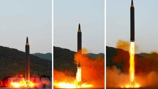 """Mỹ: Triều Tiên chỉ còn thiếu """"2 mảnh ghép"""" để hoàn thiện ICBM"""