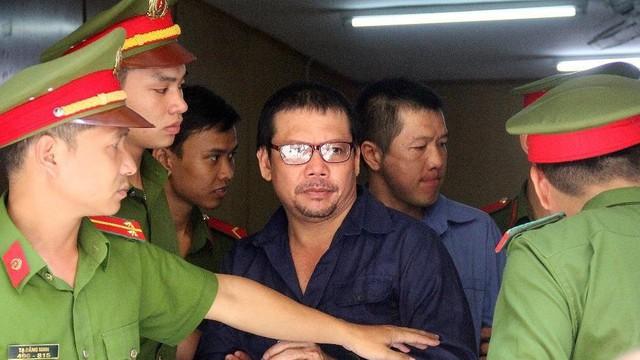 Vụ 'Logo xe vua': Những người đưa hối lộ CSGT sẽ bị xử nặng