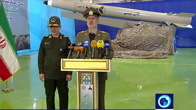 Iran tuyên bố tên lửa mới có thể tránh radar và bắn cực chính xác
