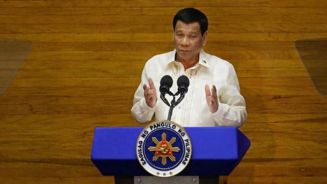 """Trung Quốc và Philippines bất ngờ """"khắc khẩu"""" về Biển Đông"""