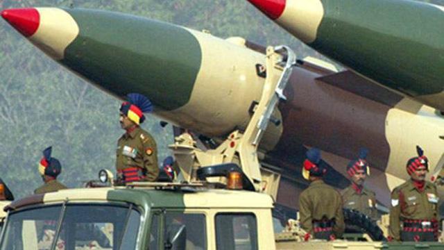 """""""Nước nào sở hữu vũ khí hạt nhân, nước đó bất khả chiến bại"""""""