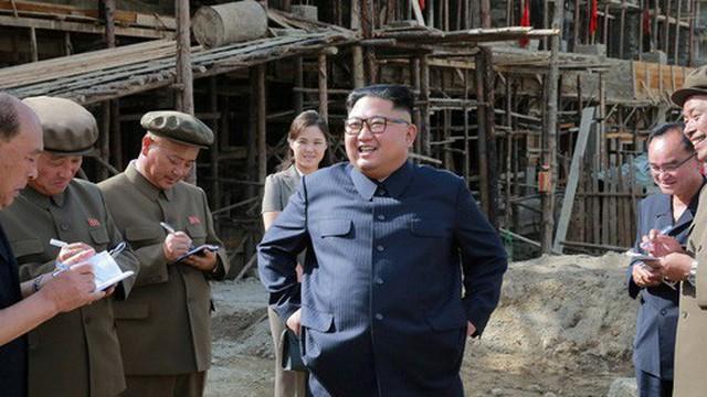 Ecuador bất ngờ tôn vinh ông Kim Jong-un là công dân danh dự
