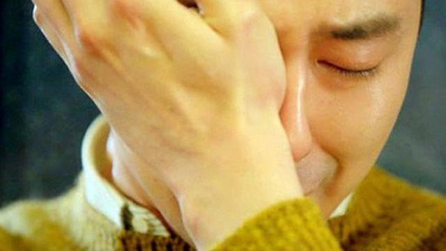 Rất sợ tình dục: Chuyện nước mắt đàn ông... trên gối