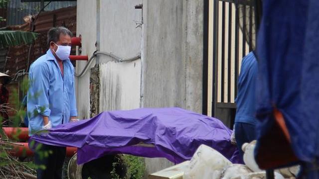 Tá hỏa phát hiện thi thể người đàn ông nổi lềnh bềnh trên sông Sài Gòn