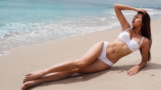 Ngắm vẻ quyến rũ của Đồng Ánh Quỳnh khi diện bikini 2 mảnh