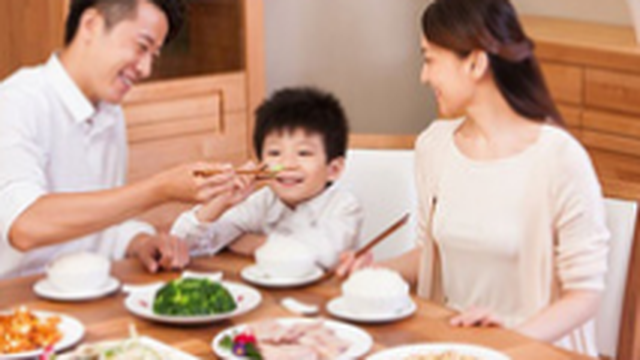 5 phép lịch sự vô cùng quan trọng trong bữa ăn hàng ngày, nhưng nhiều phụ huynh lại thường quên dạy con