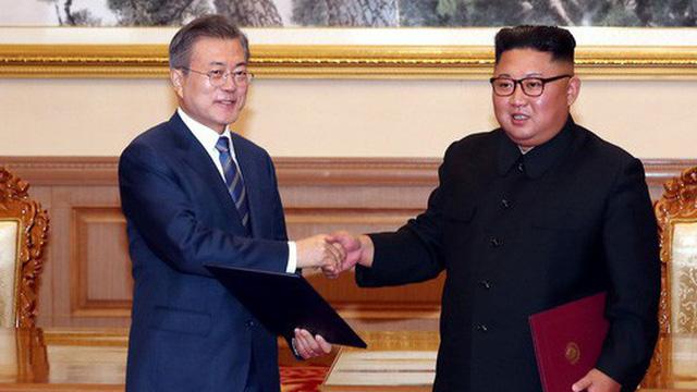 Triều Tiên lại... chuyền bóng cho Mỹ