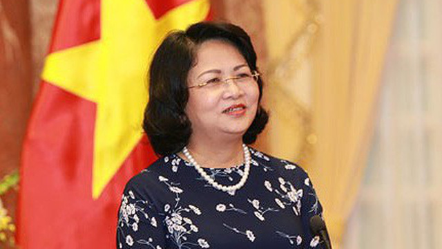 Phó Chủ tịch nước Đặng Thị Ngọc Thịnh trở về nước từ Diễn đàn Phụ nữ Á - Âu