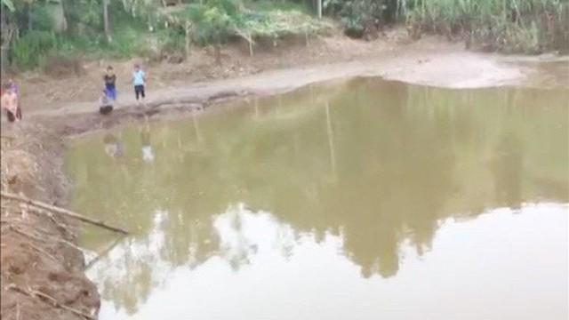 Phát hiện hai học sinh mầm non chết đuối tại hố nước sâu gần trường ở Sơn La