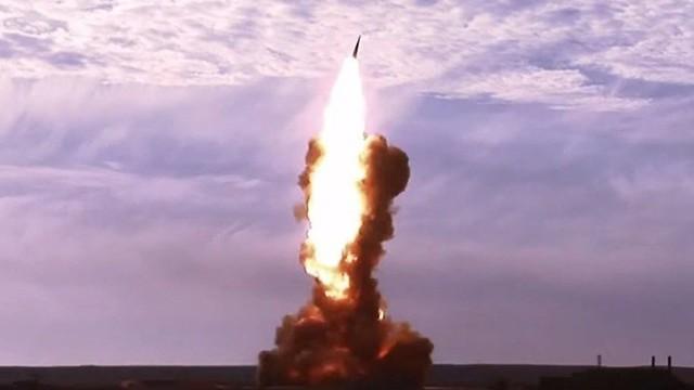 """Chuyên gia: Mỹ muốn Nga phải """"quỳ gối"""" bằng đòn tấn công tên lửa ồ ạt nhưng họ đã nhầm!"""