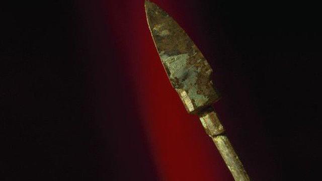 Bí ẩn số vũ khí kỳ lạ bên trong lăng mộ Tần Thủy Hoàng - ngàn năm vẫn sắc bén