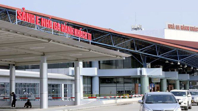 """Hàng vạn tài xế ra vào các sân bay đã mất phí """"oan"""""""