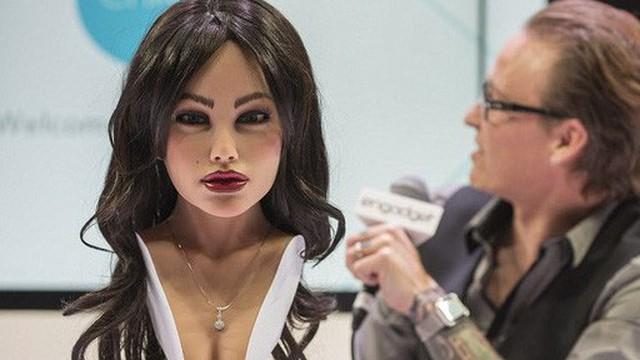 Robot tình dục Harmony tháo dỡ khuôn mặt tuyệt đẹp ngay tại CES 2018: Quá bất ngờ!