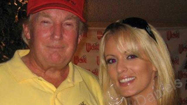 """Ông Trump phủ nhận cáo buộc chi tiền bịt miệng về vụ """"mặc quần ngủ vui vẻ với sao khiêu dâm"""""""