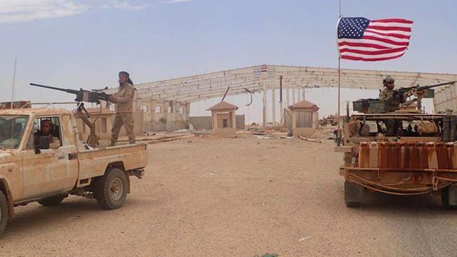 FSA vừa sẵn sàng cùng Thổ Nhĩ Kỳ diệt đồng minh của Mỹ tại Syria, vừa xin Mỹ... cấp vũ khí