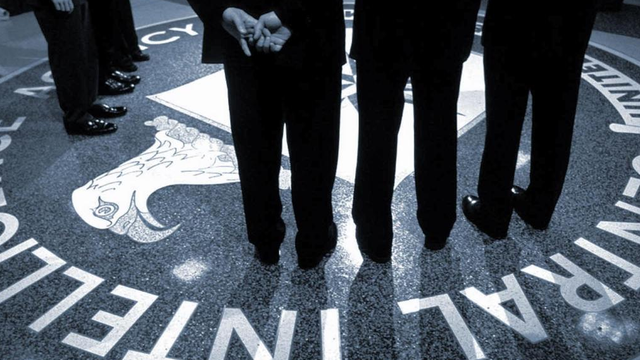 """Cựu sĩ quan tình báo Mỹ bị tóm gọn tại sân bay vì nghi giúp TQ """"hạ gục"""" đặc vụ CIA"""