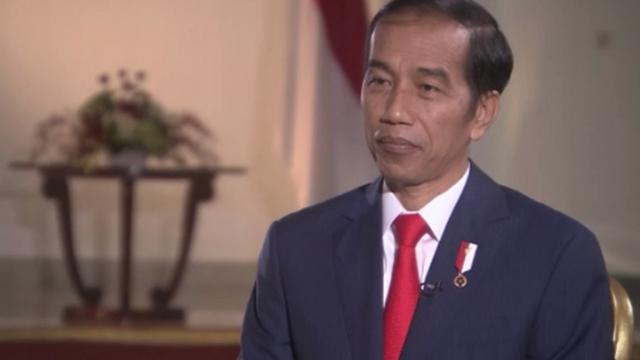 Phỉ báng Tổng thống trên Facebook, học sinh Indonesia bị bỏ tù