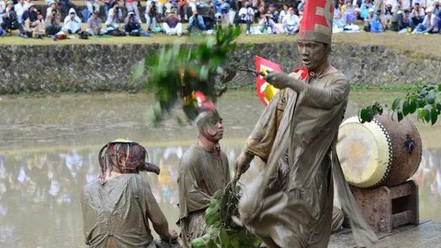 """Lễ hội truyền thống """"teo"""" dần"""